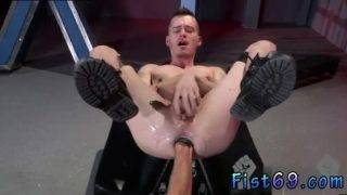 Mature gay men fisting porn Axel Abysse crouches on a going knuckle deep