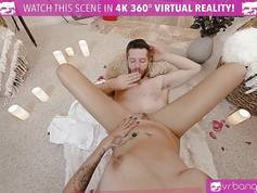VR PORN – Thanksgiving Dinner becomes hot and naked